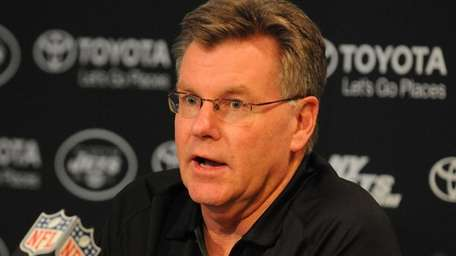 Jets senior personnel executive Terry Bradway speaks during