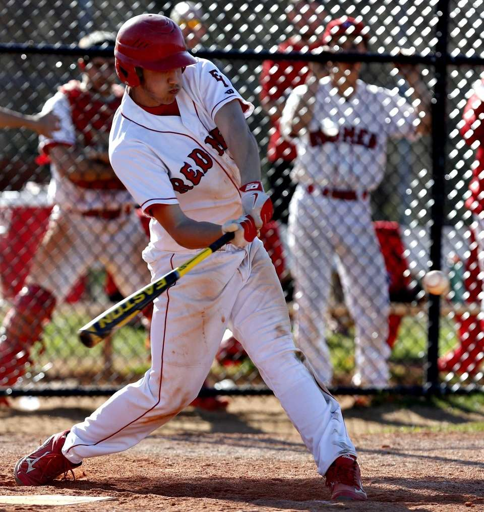 East Islip's Nick Calautti hits a two-out single