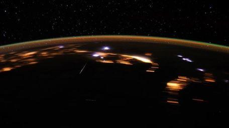 The Lyrid meteor shower peaks in the skies