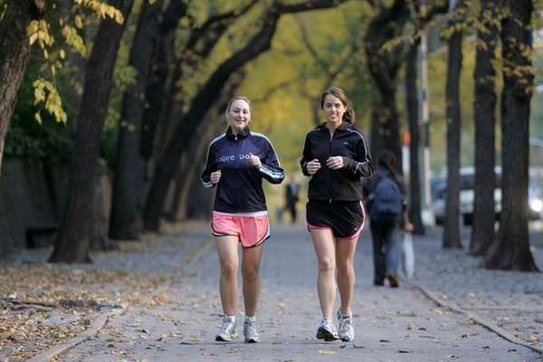 Runners in Central Park. (Nov. 1, 2006)