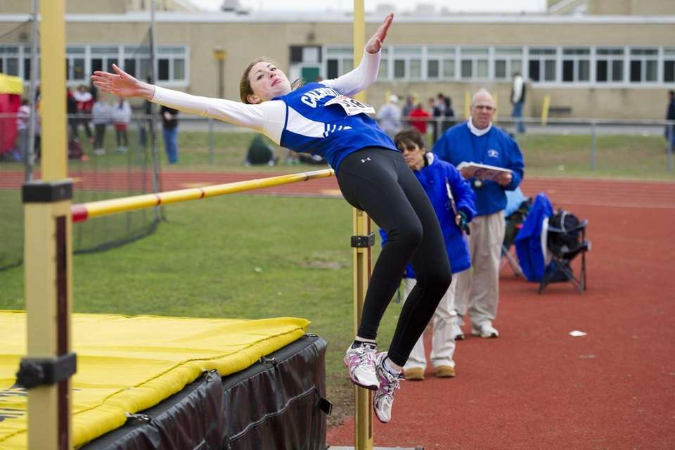 Kelsey Cassidy of Calhoun competes in the girls