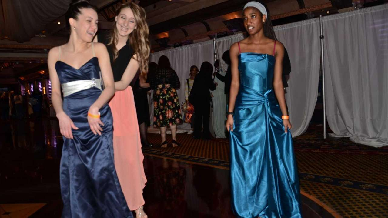 Donate Prom Dresses In Nyc