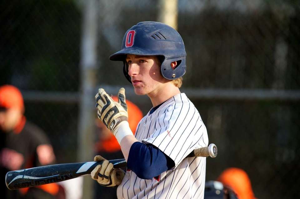 Oceanside second baseman Connor Pasetti (6) looks to