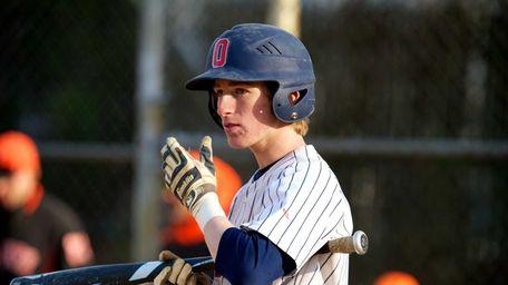 Oceanside second baseman Connor Pasetti (6) looks to