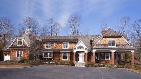 The Long Island home of former Met, Carlos