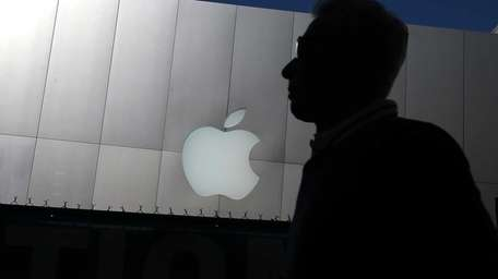 Apple Inc. Tuesday reported its first profit decline