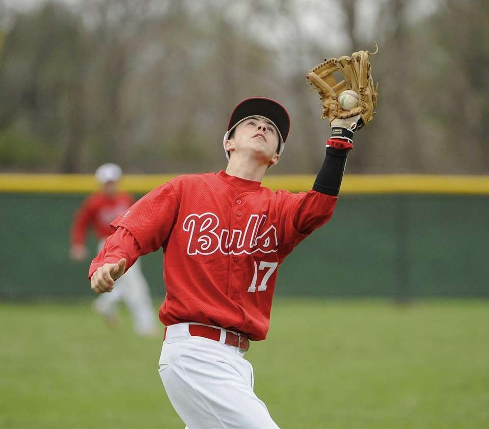 Smithtown East's James Meyers makes the catch for