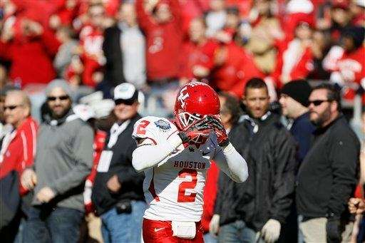 Houston defensive back D.J. Hayden stand on the