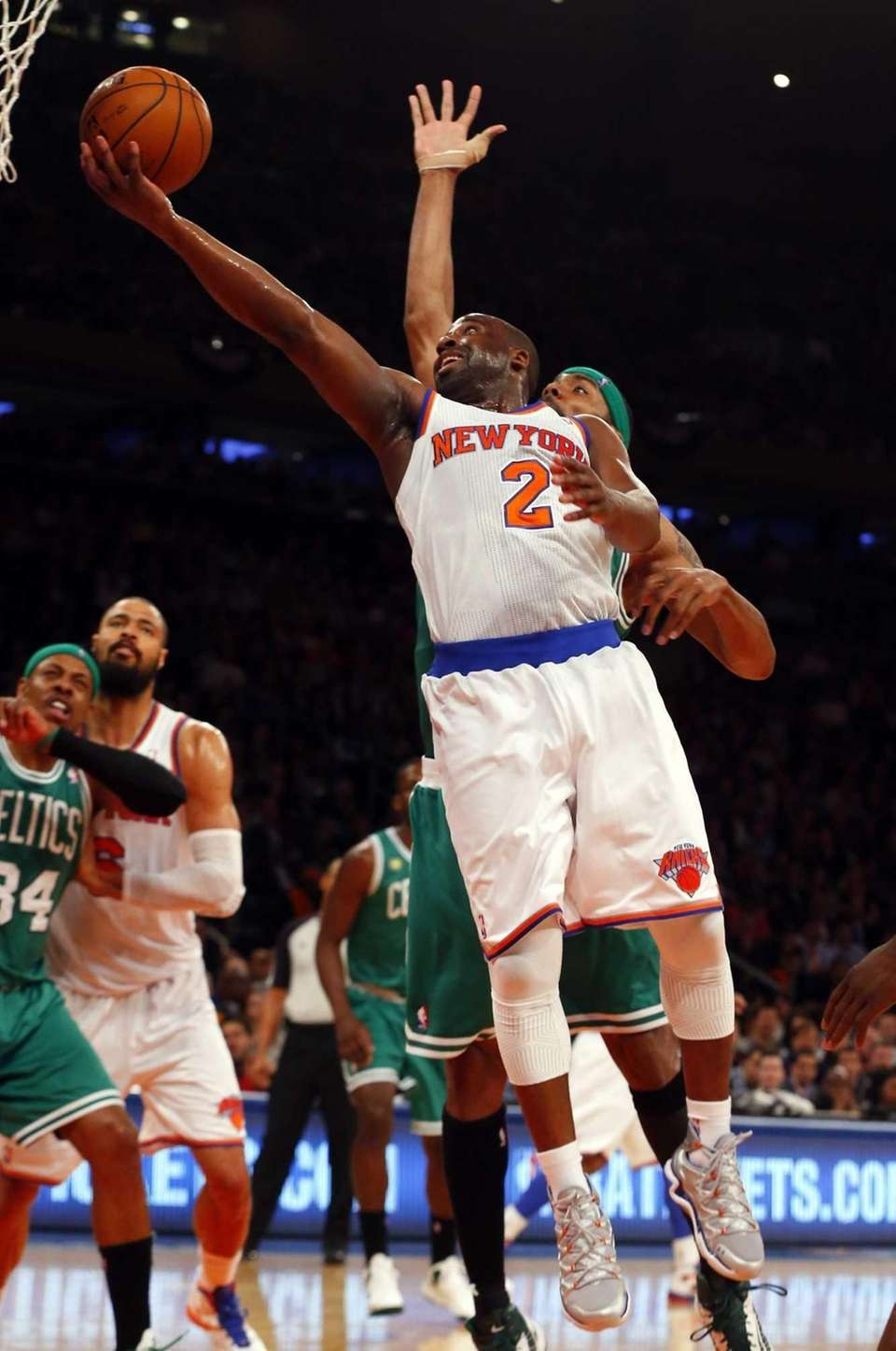 Raymond Felton lays up a basket during Game