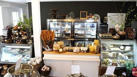 Cavaniola's, the Sag Harbor cheese store, has opened