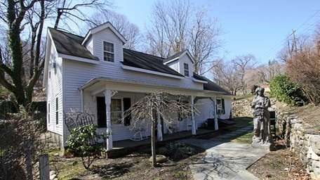 This cottage in Roslyn, now on the market