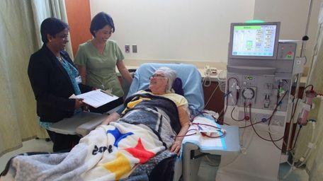 Lena Delligatti, getting dialysis, with RN Sarah Park