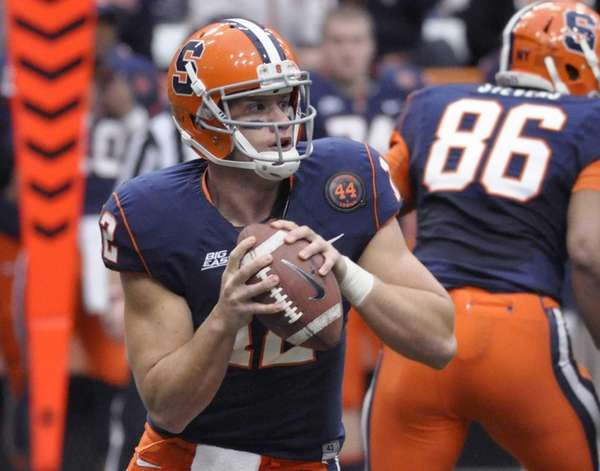 Syracuse's Ryan Nassib looks for an open receiver