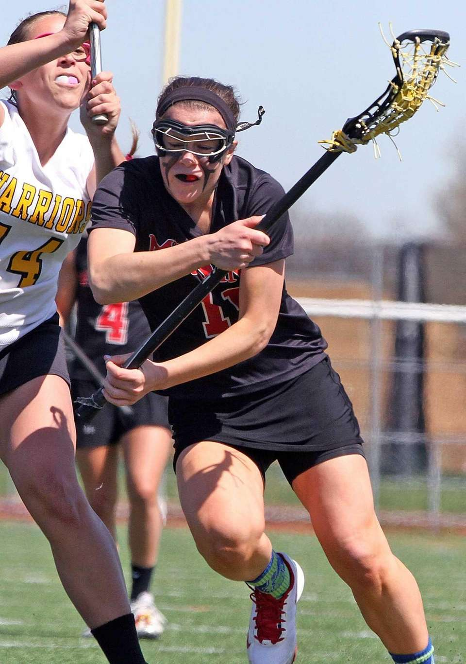 Mt. Sinai's Caroline Fitzgerald gets inside the defense