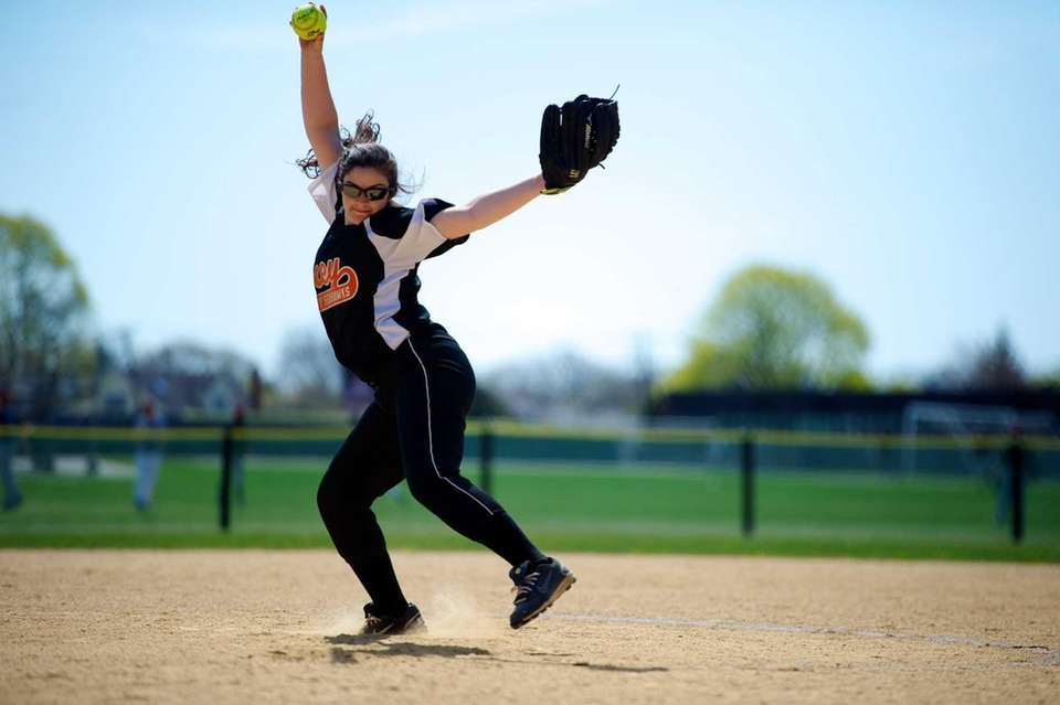 Carey pitcher Ashley Turato pitches in the first