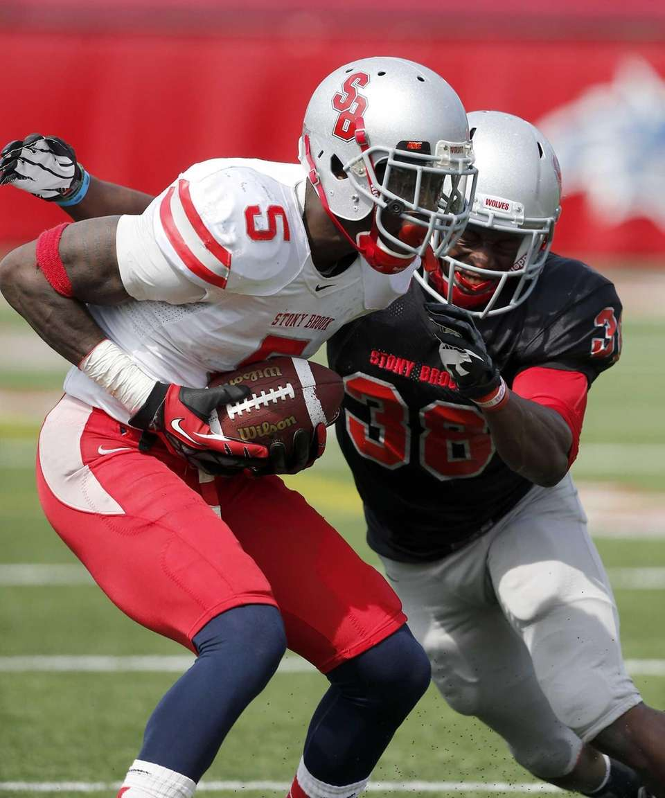 Stony Brook wide receiver Malcolm Eugene (5) makes