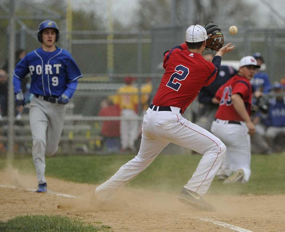 MacArthur's Rob Andreoli makes the catch to tag