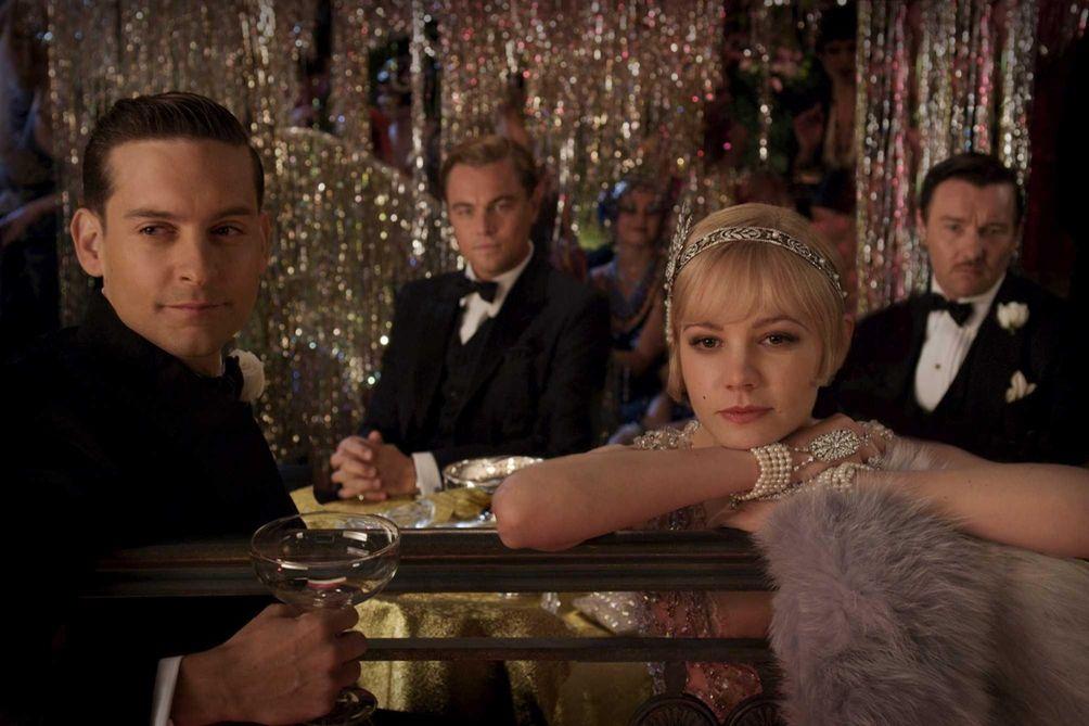 Tobey Maguire as Nick Carraway, Leonardo DiCaprio as