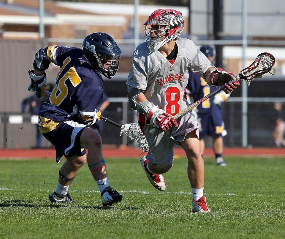 Syosset's Nick Hatzipetrakos looks to move past Massapequa's