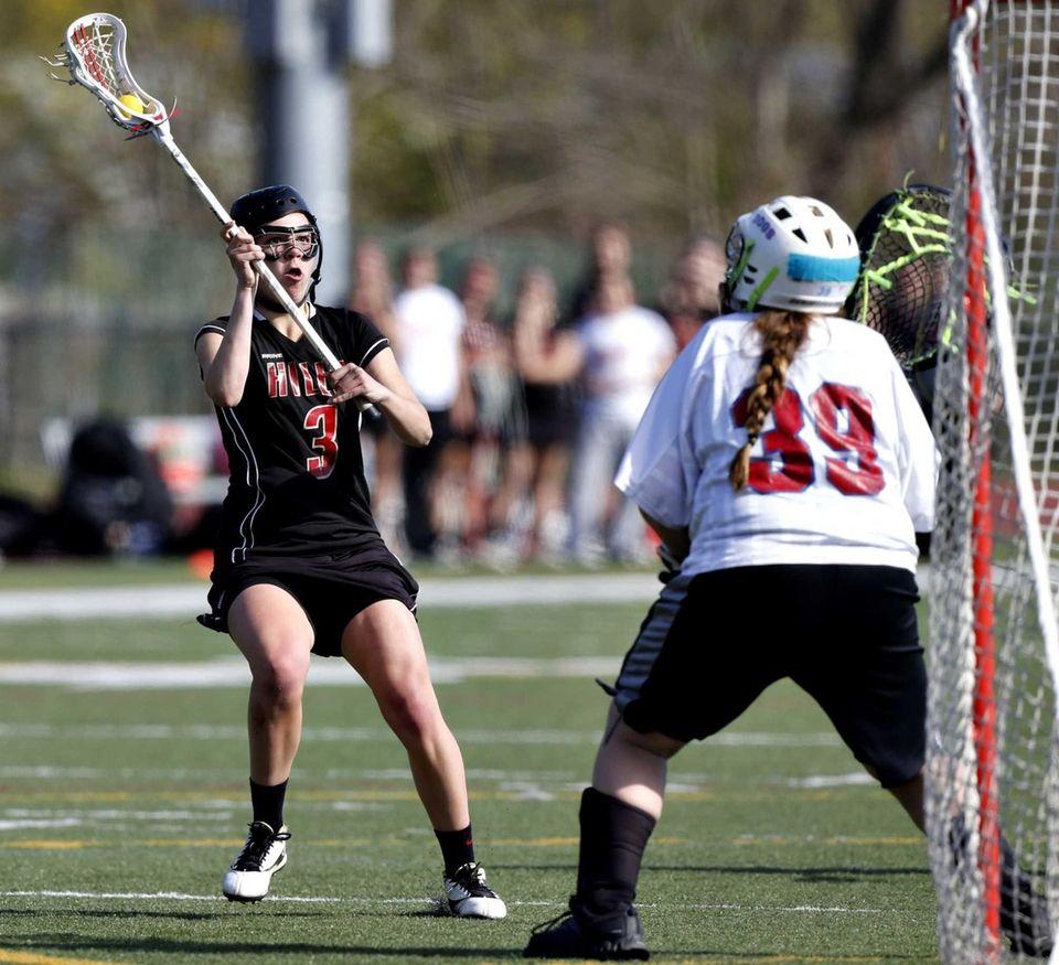 Hills' Anna Inserra lines up a shot against