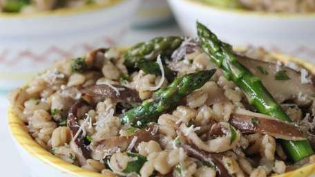 Risotto made from quick cooking barley, asparagus, and