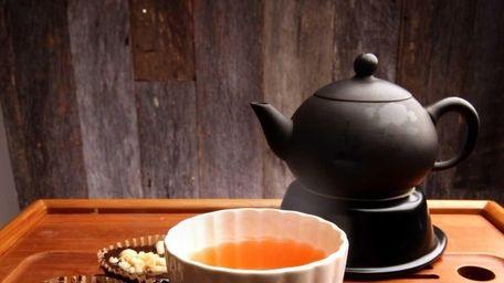 Sip Tea Lounge in Huntington both retails loose