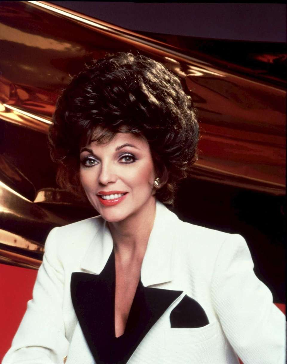 Alexis Carrington Colby (Joan Collins): Alexis hardly has