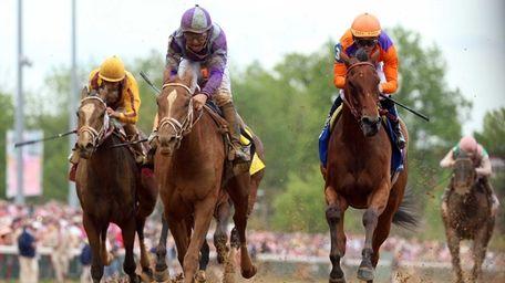 Princess of Sylamar with jockey Mike Smith crosses