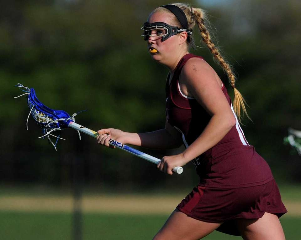 Bay Shore junior Kyra Harney looks to make