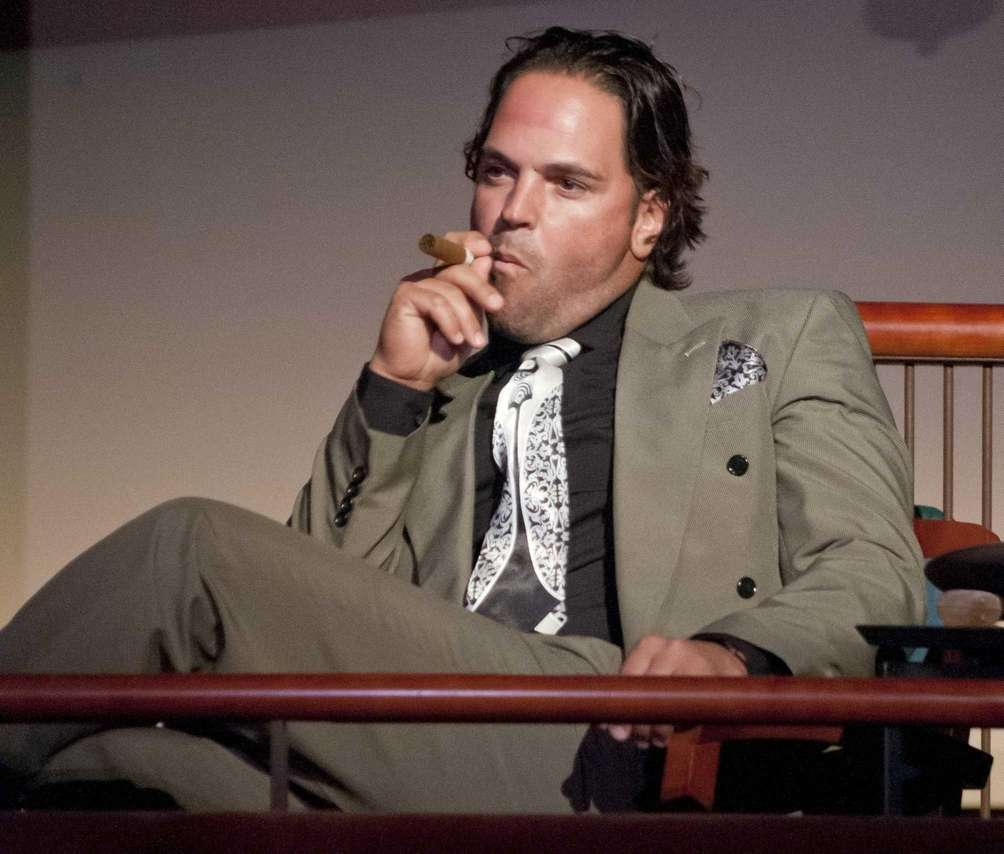 Mike Piazza performs in the dress rehearsal for