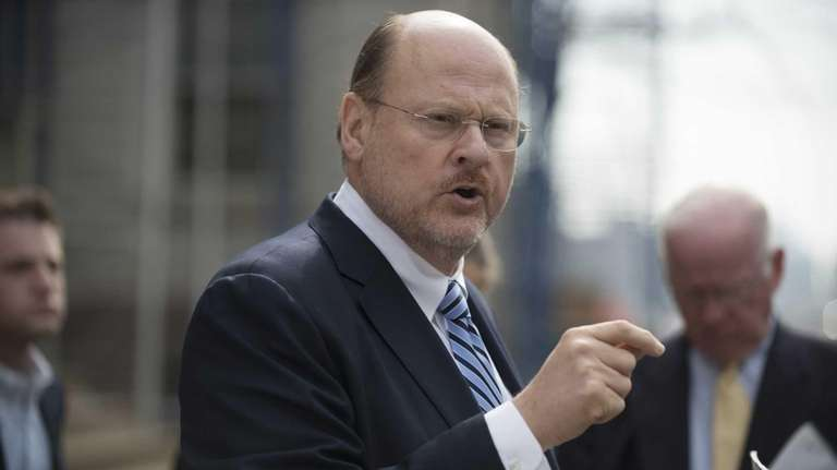 Republican mayoral candidate Joseph Lhota at a news