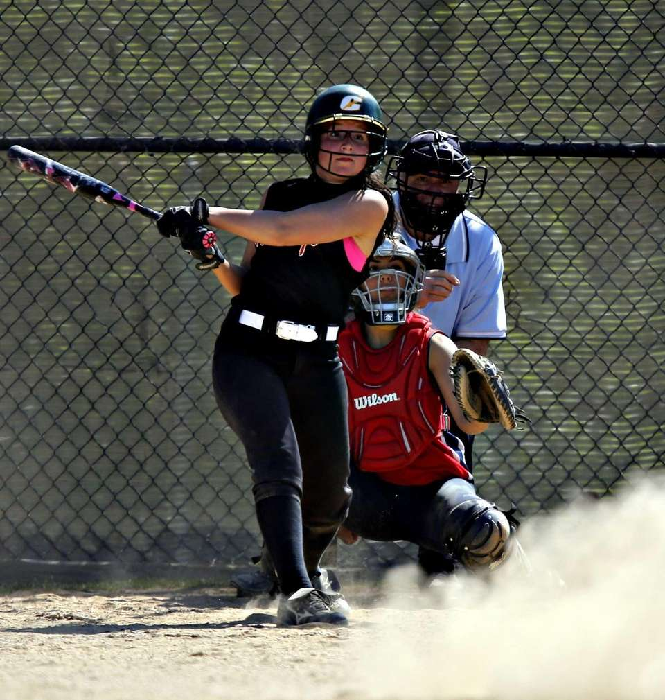Mt. Sinai pitcher Holly Draser follows the flight