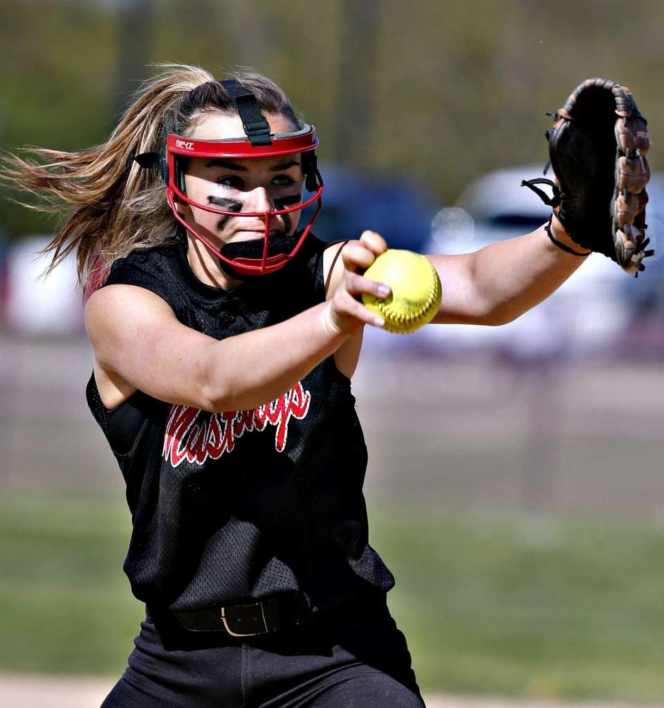 Mt. Sinai relief pitcher Cassandra Wilson takes over
