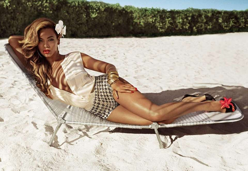H&M shows entertainer Beyonce in an ad for