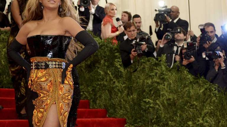 Beyonce, honorary chairwoman, arrives at the Metropolitan Museum