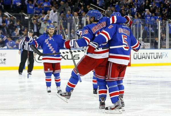Derick Brassard celebrates his second-period power-play goal against
