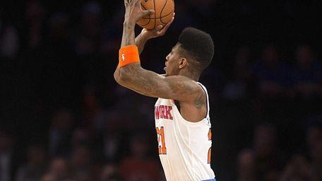 Knicks' Iman Shumpert shoots a jump shot alone