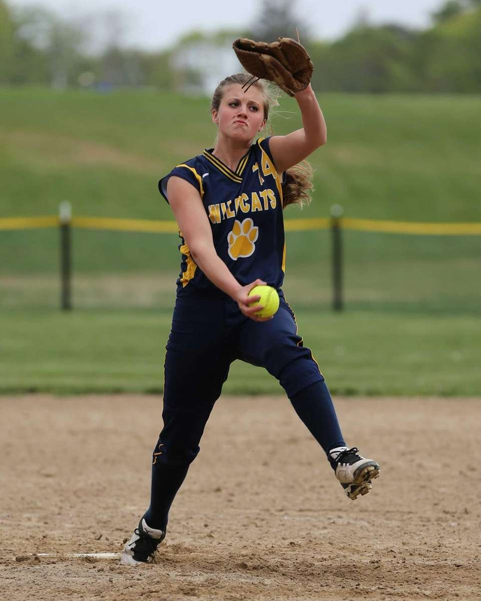 Shoreham-Wading River's Chelsea Hawks pitches against Mattituck. (May