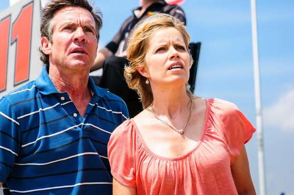 Dennis Quaid and Kim Dickens in a scene