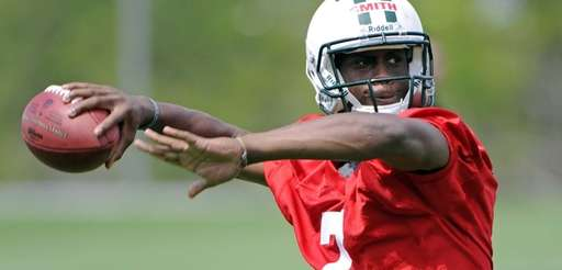 Jets quarterback Geno Smith, a second-round draft pick