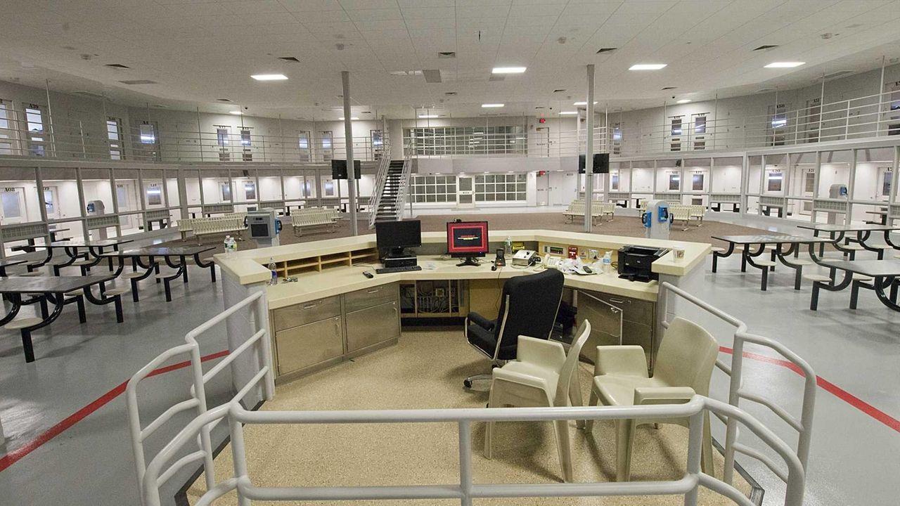 Used Cars Long Island >> New Yaphank jail wing stirs rave, concerns | Newsday
