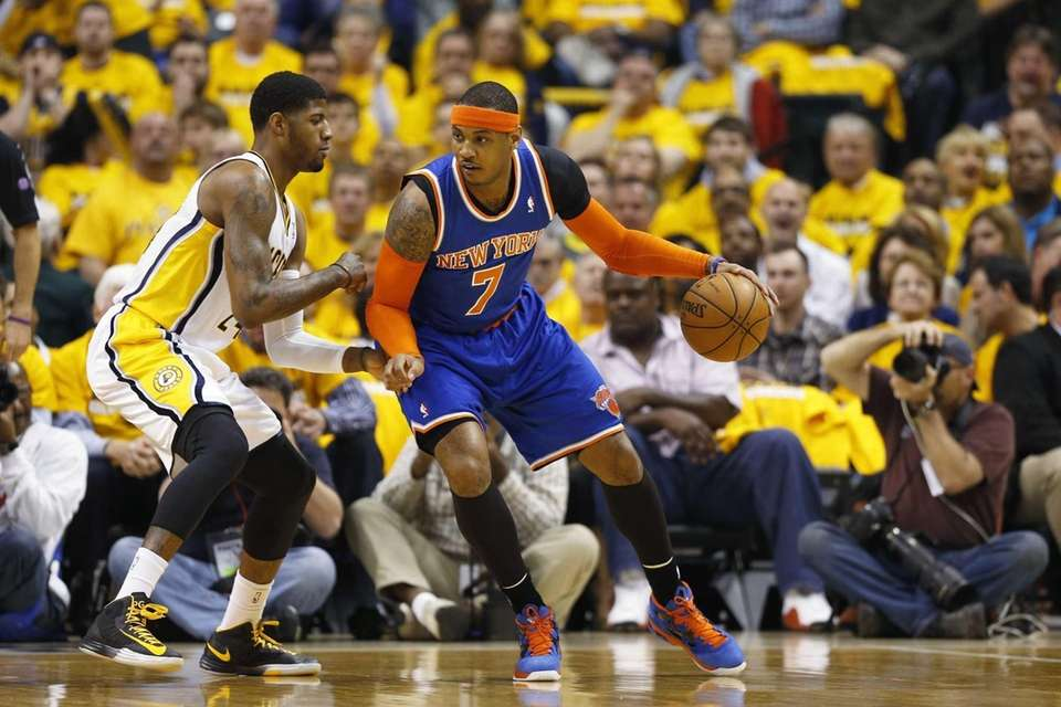 Carmelo Anthony of the Knicks handles the ball