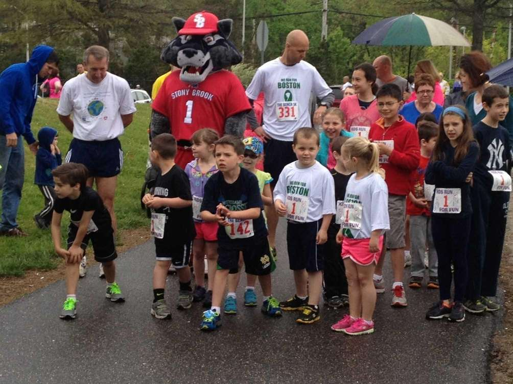 The participants in the Bench 5K Fun Run