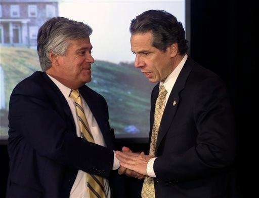 Gov. Andrew M. Cuomo, right, and Senate Republican