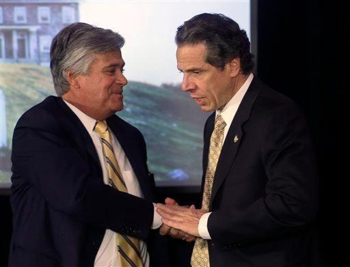 Gov. Andrew M. Cuomo, right, and Senate Republican