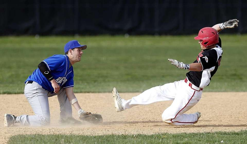 Hauppauge second baseman Nick DelRe waits to put