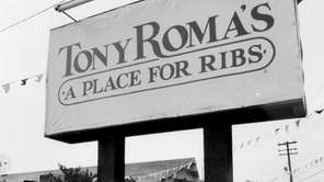 Tony Roma's restaurant on Jericho Turnpike in Syosset.