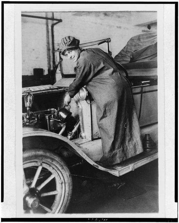 Rosalie Gardiner Jones was an Oyster Bay socialite