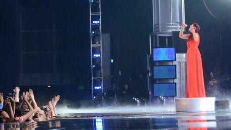 Top 2 finalist Kree Harrison performs Patty Griffin's