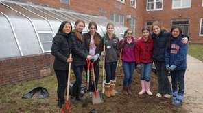Three Manhasset schools plant organic gardens as part